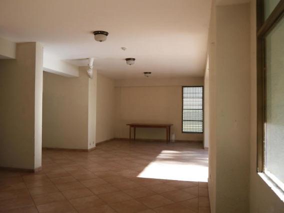 Rentahouse Lara Vende Apartamento 20-2159