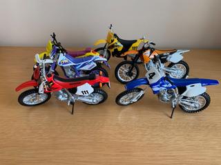 Kit Conjunto De Miniatura Motos Cross 1/18