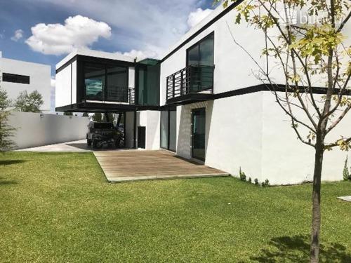 Casa Sola En Venta Frac Real De Privanzas