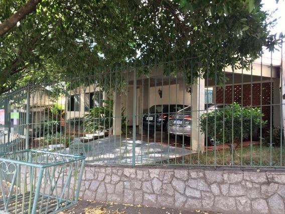 Casa Para Venda Em Volta Redonda, Jardim Amália, 4 Dormitórios, 2 Suítes, 4 Banheiros, 4 Vagas - 175_2-954997