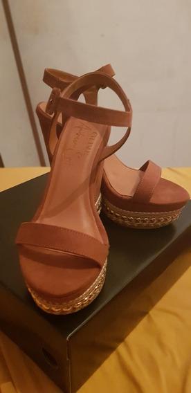 Salto Alto Plataforma De Camurça Da Olive Shoes