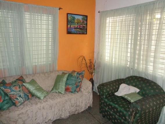 Comercio En Venta Centro 19-8136 Telf: 04120580381