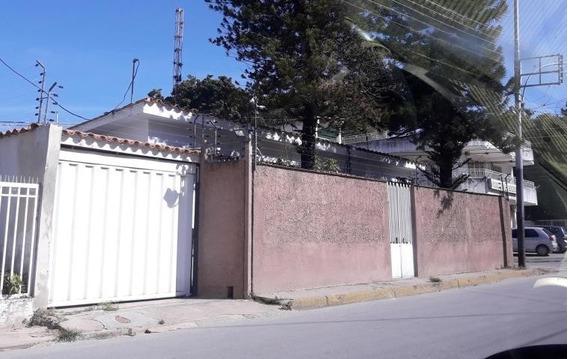 Amplia Y Comoda Casa En Av Principal Jaf 20-7378
