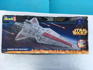 Star Wars Republic Star Destroyer Revell