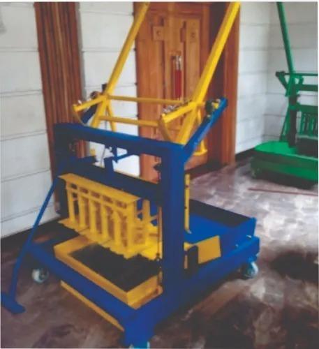 Imagem 1 de 5 de Projeto Máquina Fazer Blocos Poedeira Piso Tijolo Concreto