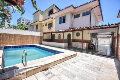 Casa Em Condomínio Com 3 Dormitórios E 3 Garagens - Id: 892857571 - 157571