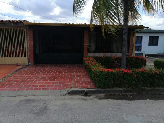 Casa Urb Terraza De Alto Barinas