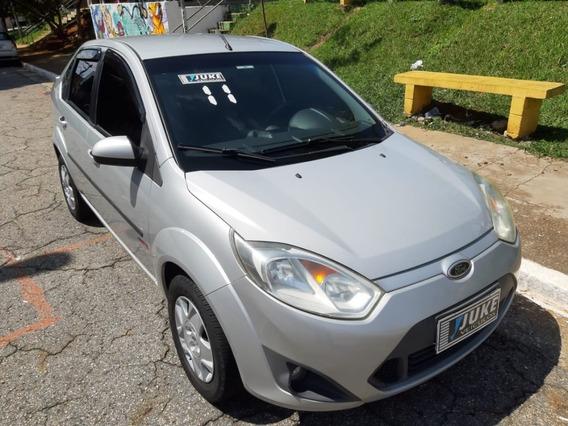Fiesta Sedan 1.6 - 2011 - Completo - Prata
