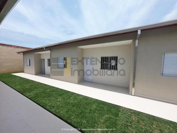 Casa Com 02 Dormitórios E 54m² - 57