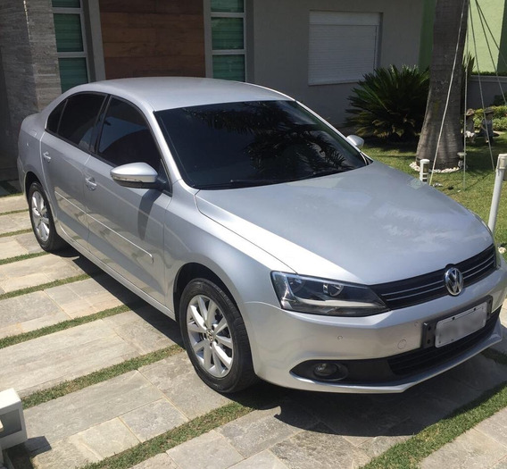 Volkswagen Jetta 2.0 Comfortline Flex 4p Automática