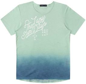 bd26412f73 Camiseta Infantil Johnny Fox The Lazy Sun Days