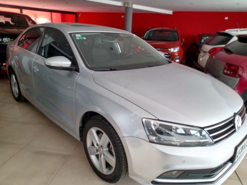 Imagen 1 de 6 de Volkswagen Vento 2.5 Luxury