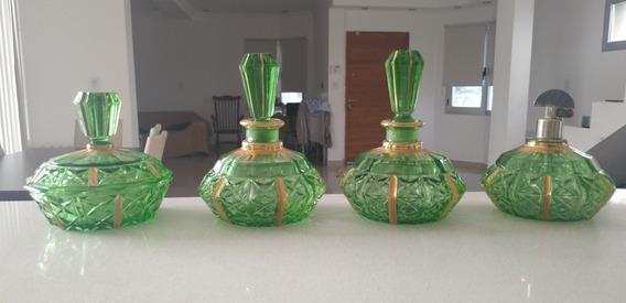 Antiguo Juego De Toailete Perfumeros 4 Piezas