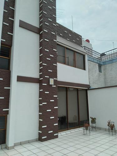Imagen 1 de 14 de Casa Totalmente Funcional En Zona Residencial
