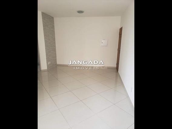 Apartamento Com 02 Dormitorios E 01 Vaga De Garagem. Aceita Permuta!! - 11701