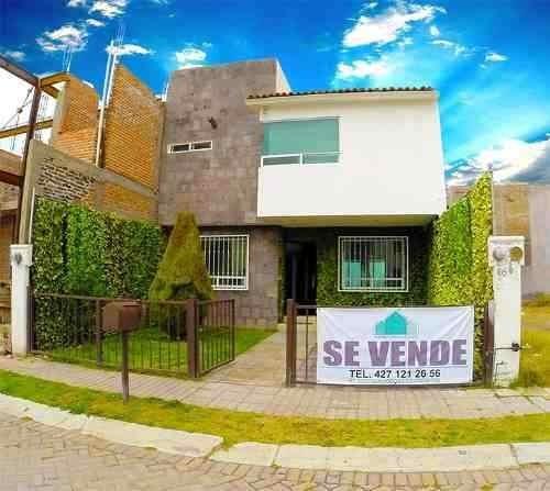 Hermosa Residencia En Fraccionamiento Casa Bc-16