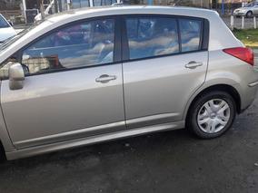 Nissan Tiida 1.8 Visia 5 P 2011