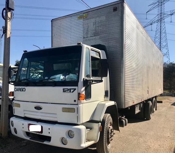Ford Cargo 1215 Baú