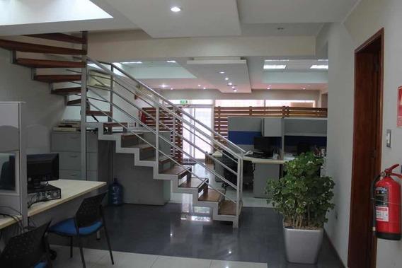 Oficina De Dos Plantas