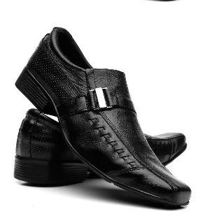Sapato Em Couro Preto Com Solado De Borraca Macio