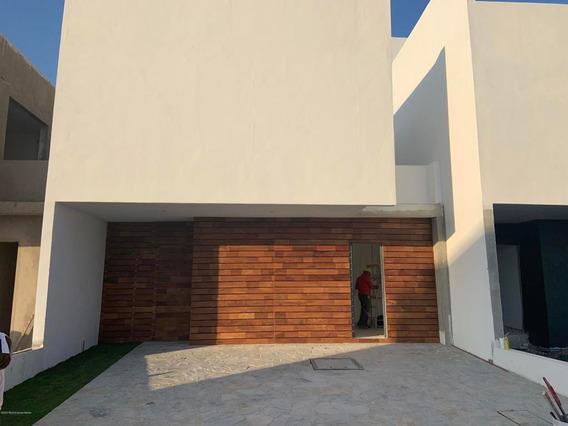 Casa En Venta En Altos De Juriquilla, Queretaro, Rah-mx-20-2036