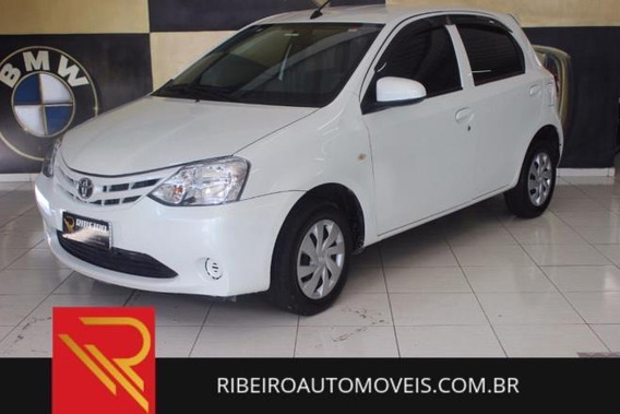 Toyota Etios Hatch Etios X 1.3 (flex) Flex Manual