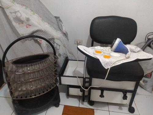Cadeira Estofada Manicure, Suporte De Esmaltes E Spa De Pés