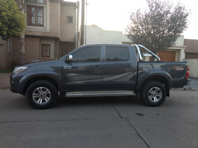 Toyota Hilux 3.0 Cd Srv Cuero I 171cv 4x4 5at