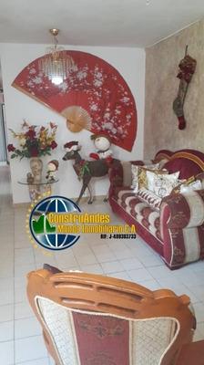 Apartamento De 4 Habitaciones Y 2 Baños Urb. Santa Juana