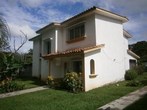 Casa En Ventas Colinas De Guataparo Valencia 20-10587 Ez