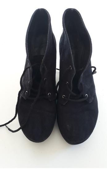 Botas Cortas De Gamuza Color Negro