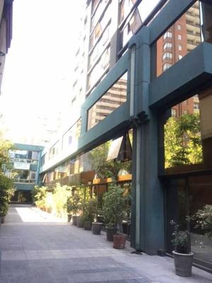 Bodega / Metro Pedro De Valdivia