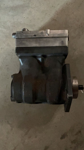 Imagem 1 de 3 de Compressor Axor 2535 2540 2544