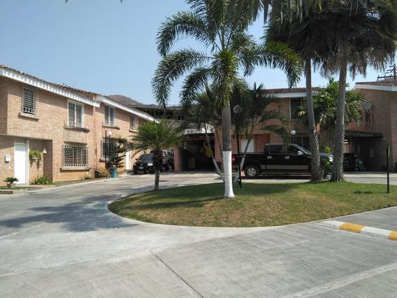 Town House En Venta Guataparo Cód.419757 Greys Villegas