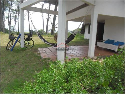 Casa En Mansa, 4 Dormitorios - Ref: 3915