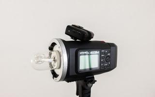 Flash Godox Witstro Ad 600 Bm + Transmisor Godox X1t 2.4hgz