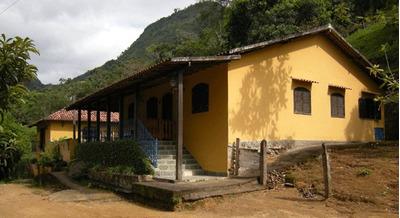 Fazenda Cheia De Rios E Cachoeiras Linda !