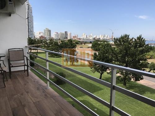 Apartamente Frente Al Mar, 100 % Reciclado En Excelente Ubicacion Frente Al Mar Y Cerca Del Casino Ex Conrad.-ref:26704