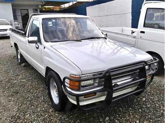 Toyota Hilux Una Cabina