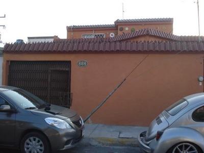 Casa Col Magisterio Con Recámara En Planta Baja