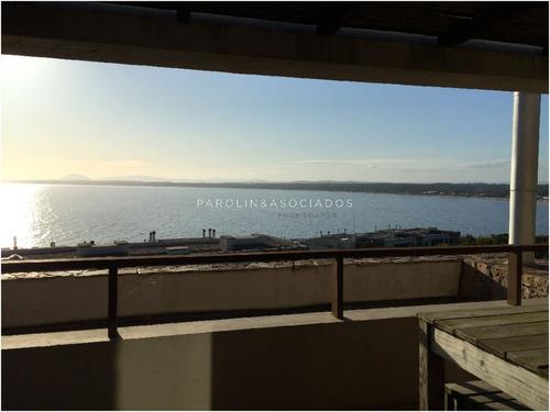 Apartamento En Punta Ballena, 2 Dormitorios *- Ref: 1789