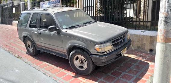 Camioneta Ford 4x4 - 3 Puertas Adventure