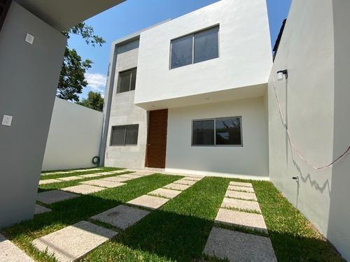 Casa En Privada En Lomas De Cortes / Cuernavaca - Via-526-cp