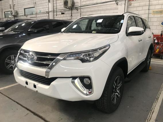 Entrega Inmediata Blanca Perla Toyota Fortuner Gasolina Full