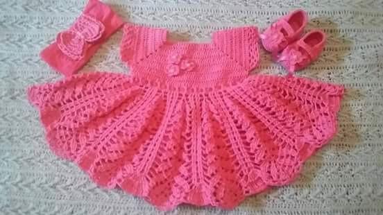 Conjunto Infantil Em Crochê ( Vestido, Sapato E Tiara)