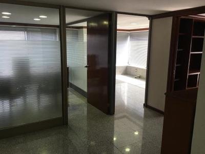 Magníficas Oficinas Ejecutivas En Paseo De Las Palmas.
