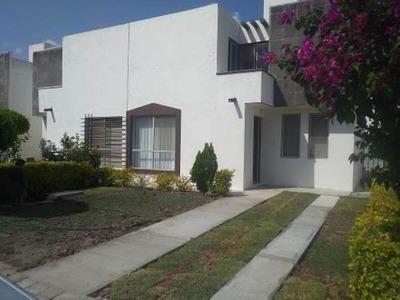 Se Vende Hermosa Casa En Fracc. Mediterráneo, 4 Recámaras