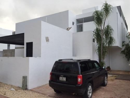 Casa Sin Muebles De 3 Recamaras En El Cielo, Playa Del Carmen P3073
