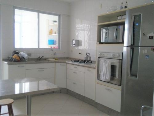 Apartamento A Venda Com 3 Quartos No Bairro Trindade Em Florianopolis - V-81753
