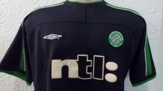 Camisa Celtic Escócia Oficial Antiga Umbro 2002 Preto Time